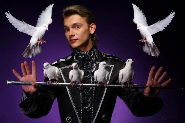 Виталий Лузкарь и голуби