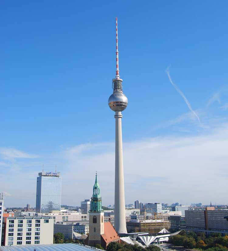 Berliner_Fernsehturm_01