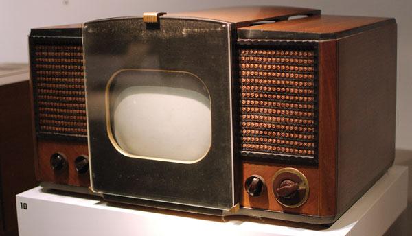 RCA 630TS,  первая американская серийная модель телевизора