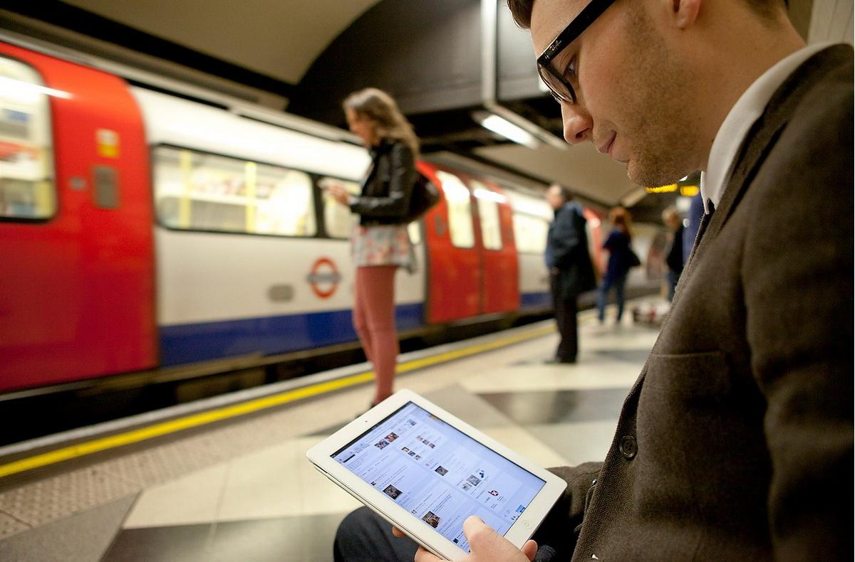 Бесплатный Wi-Fi в киевском метро появится через полгода картинки