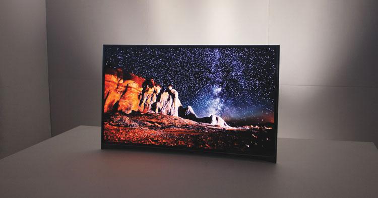 Изогнутый 4К-телевизор от Samsung на выставке CES