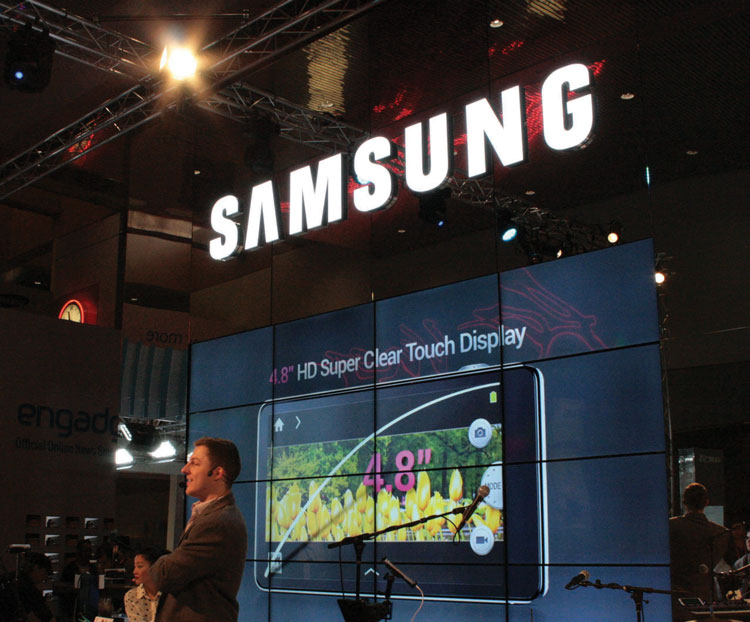CES-2013---Samsung-display