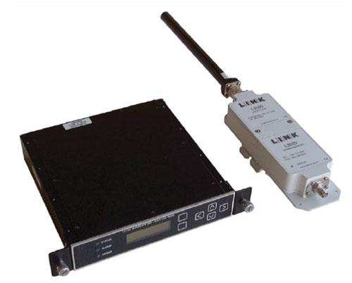 Рисунок 2. Блоки, входящие в состав поста сбора видеоинформации: приемник Antenna Diversity, понижающий преобразователь и всенаправленная антенна (количество понижающих преобразователей и антенн, используемых в составе поста приема, зависит от количества входов приемника с разделением).