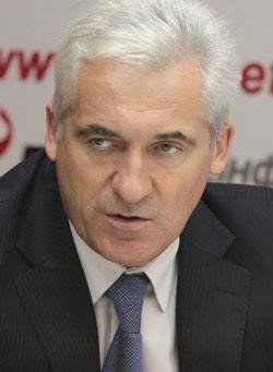 Владимир Манжосов