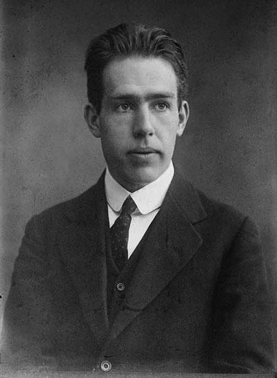 Нильс Хе′нрик Дави′д Бор (дат. Niels Henrik David Bohr) 7 октября 1885г. — 18 ноября 1962г.