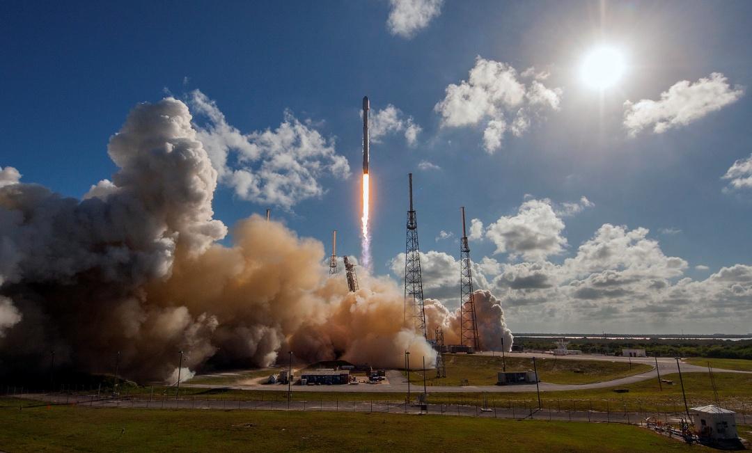 Ракета Falcon 9 удачно вывела наорбиту тайский спутник Thaicom 8