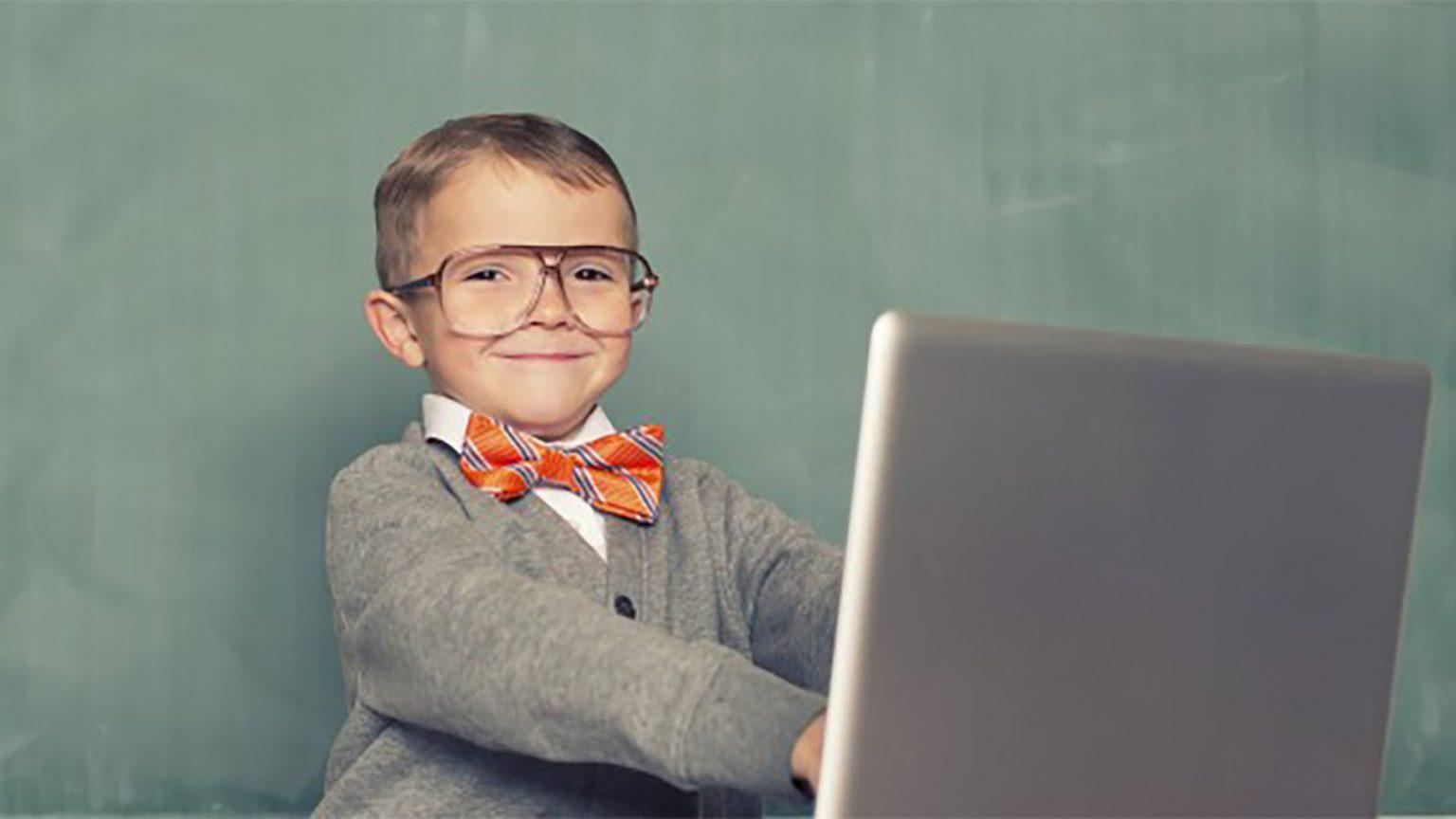 child laptop / ребёнок за ноутбуком
