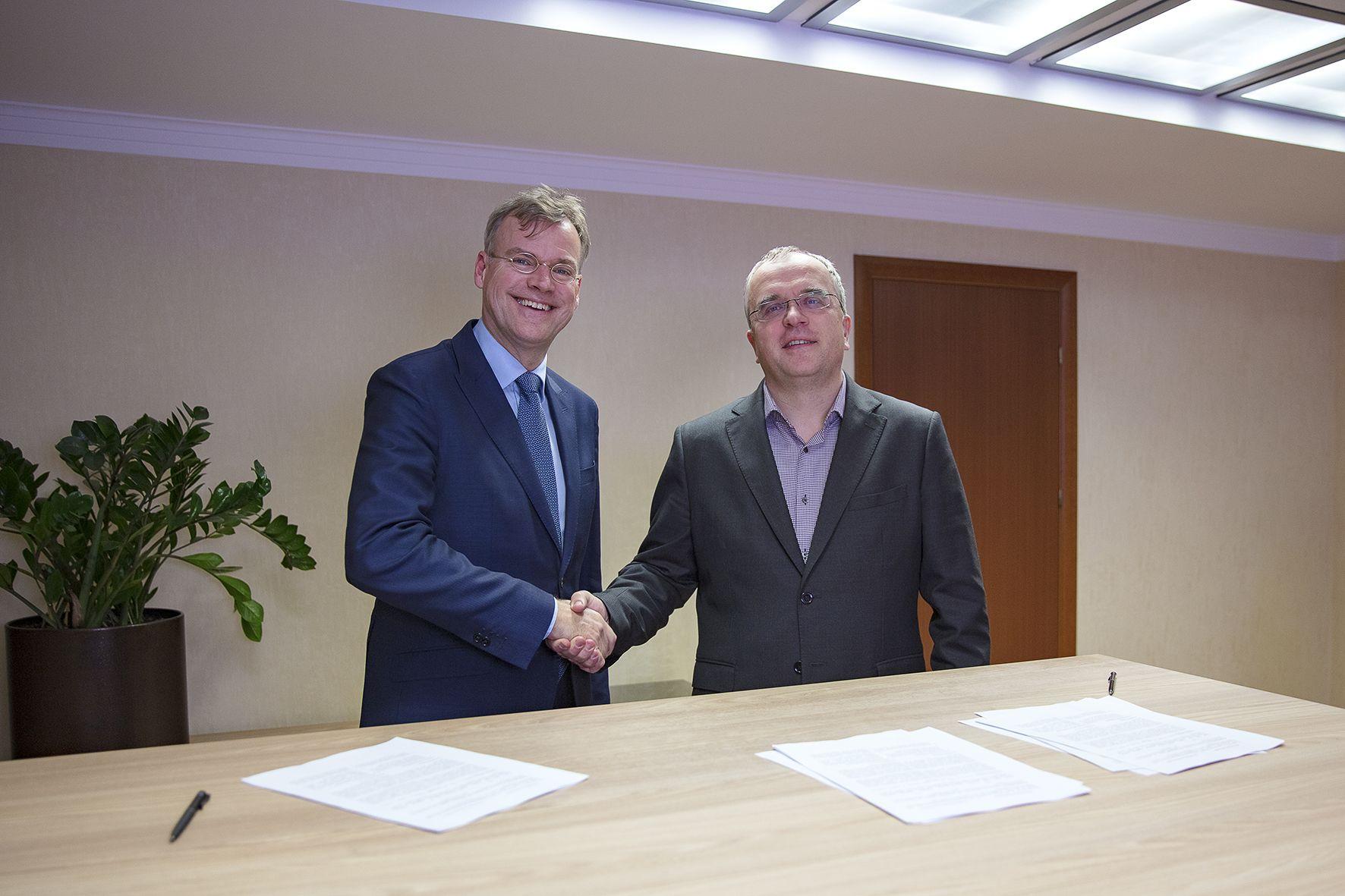 Александр Комаров (Киевстар), Ян Питер де Йонг (Microsoft Украина)