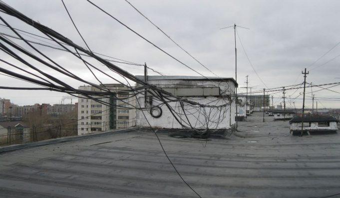 Кабели на крыше