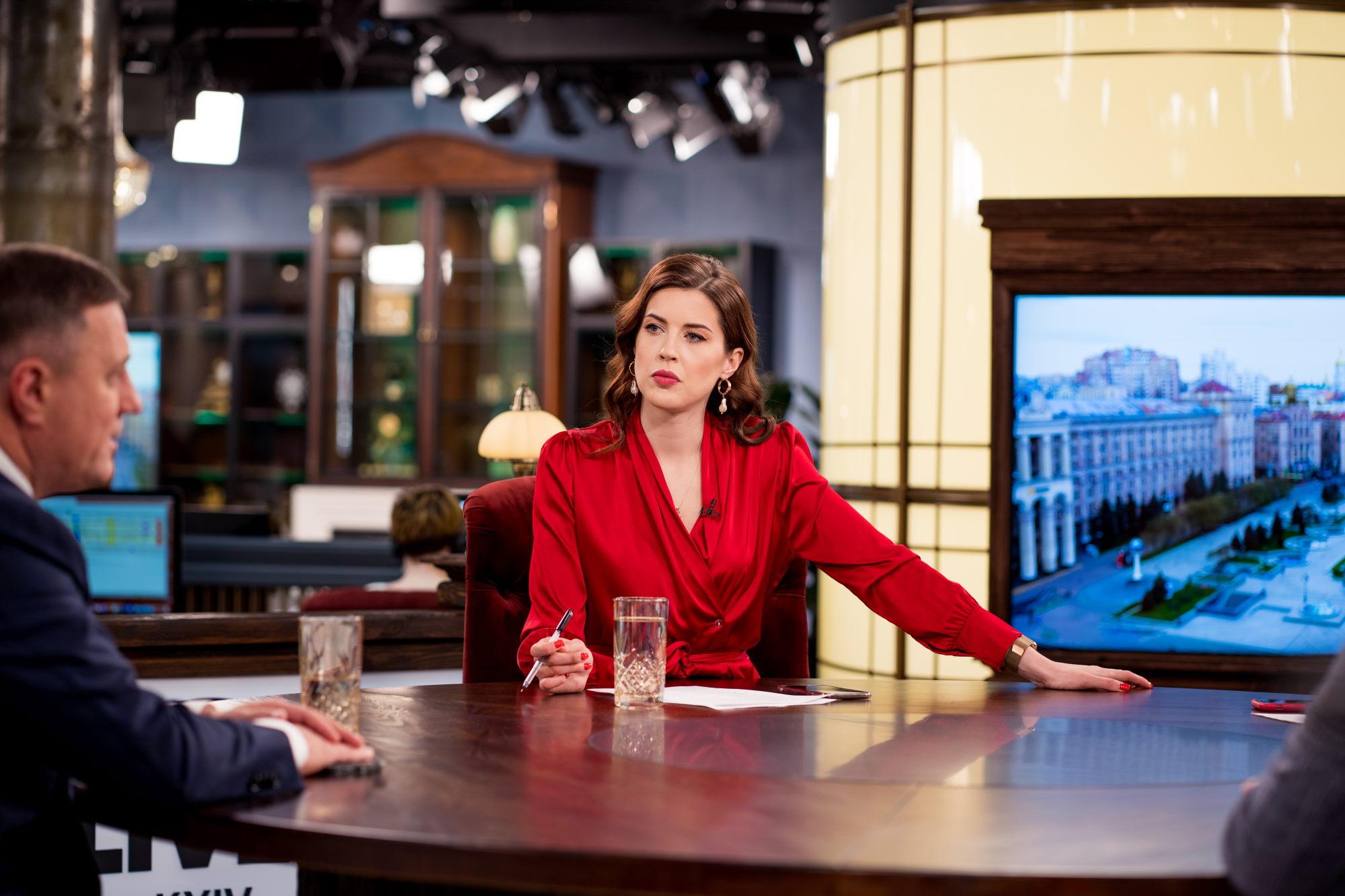 Елена Халилова, тележурналист, телеведущая («День.LIVE»)